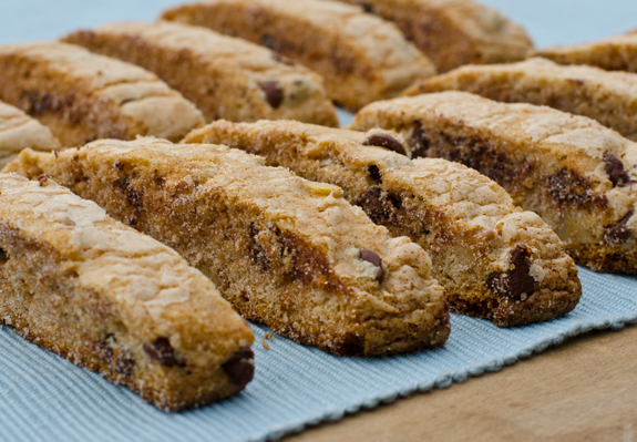 chocolate-chip-walnut-mandelbread-1