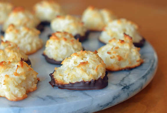 as a coconut lover i ve tried dozens of coconut macaroon recipes over