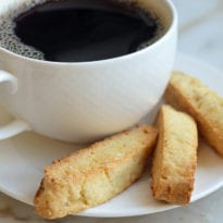 almond-anise-biscotti-with-coffee