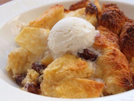 Apple raisin bread pudding 12