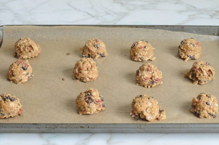 how to make oatmeal raisin cookies