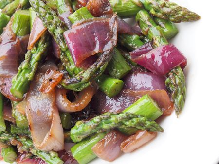 Asparagus red onion