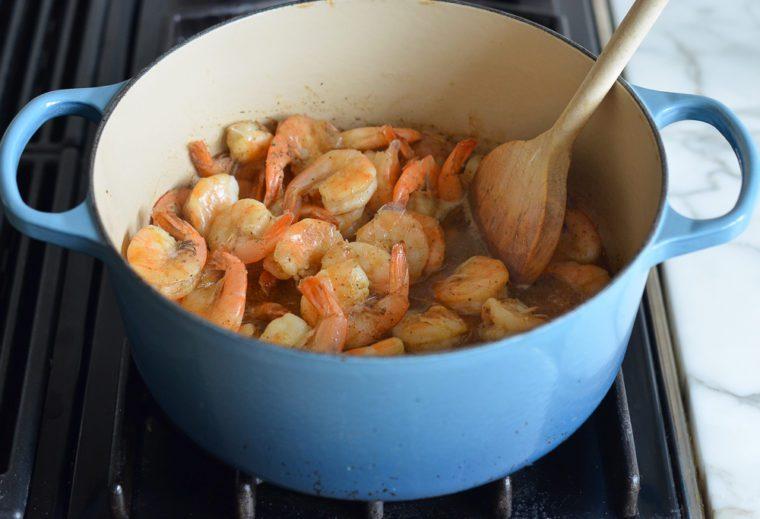 boiled shrimp in broth