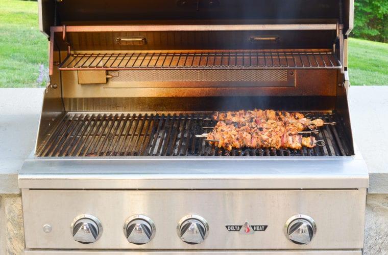 grilling chicken kabobs