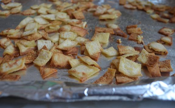 baked-pita-croutons