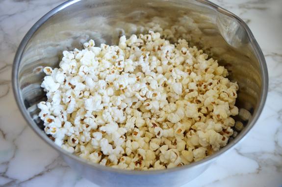 popcorn-in-bowl
