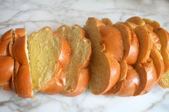 sliced-challah