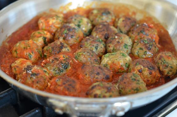 simmering-meatballs-in-sauce