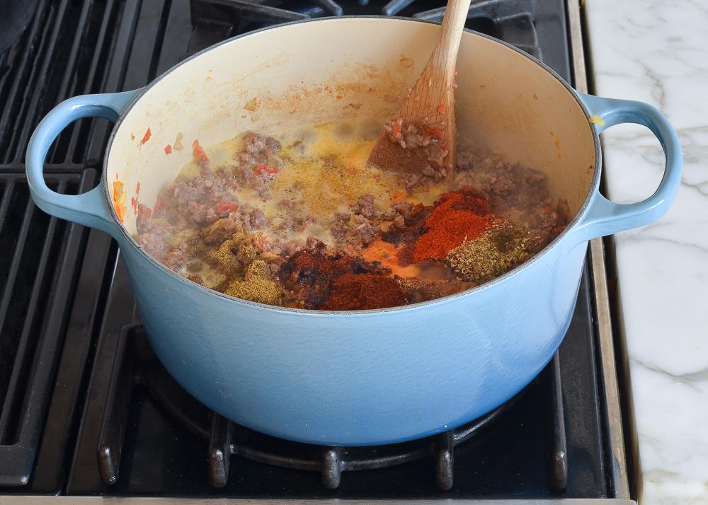 how to make ground beef chili