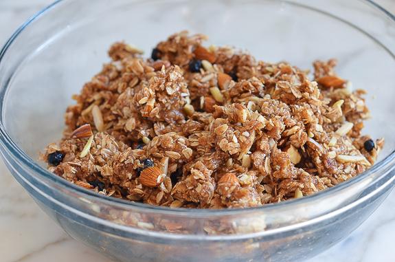 almond date blueberry granola bars6