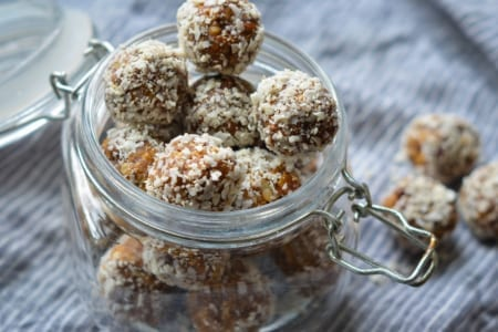 No-Bake Oat & Nut Energy Bites