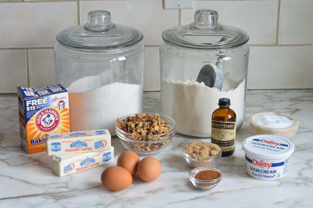 how to make sour cream coffee cake