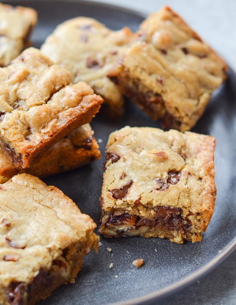 Brownies! Favorite Recipes for Brownies, Blondies & Bar Cookies