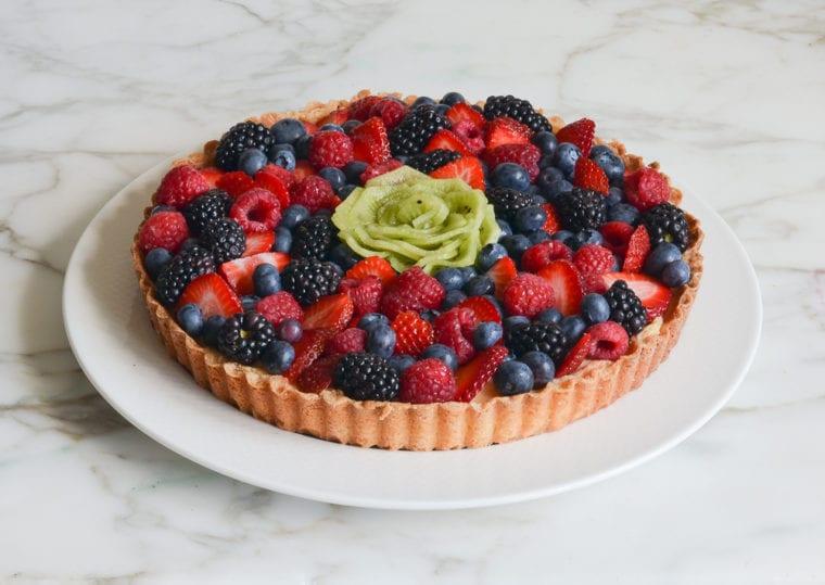 fruit tart with kiwi rose